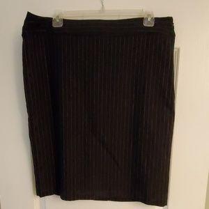Dana Buchman Black w Pink Pinstripe Pencil Skirt